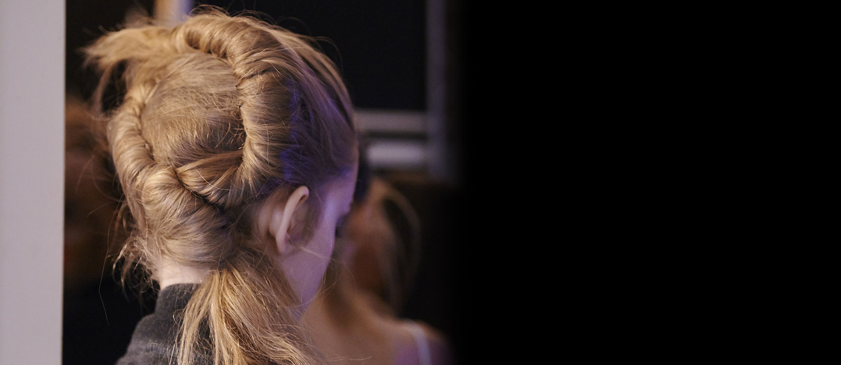 Backstage Véronique Leroy Spring-Summer 2016 collection Fashion Week hair bun | René Furterer