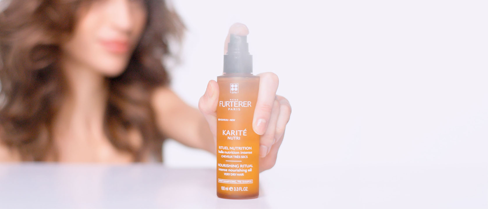 KARITE NUTRI Intense nourishing oil application video  | René Furterer